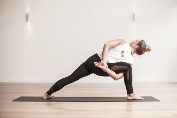 ashtanga yoga là gì