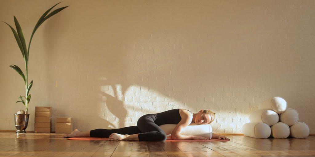 yin yoga là gì